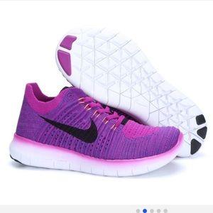 nike free run flyknit tennis shoes